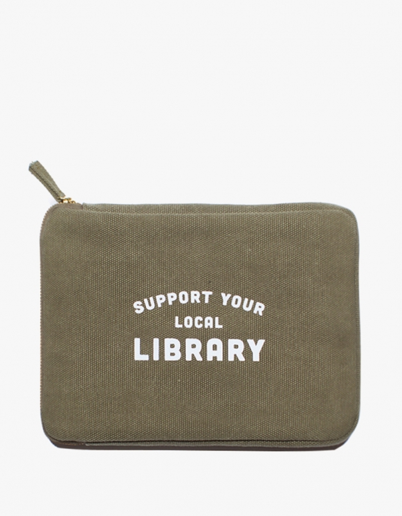 IZOLA NYC Ipad Pouch - Library | HEIGHTS. | International Store