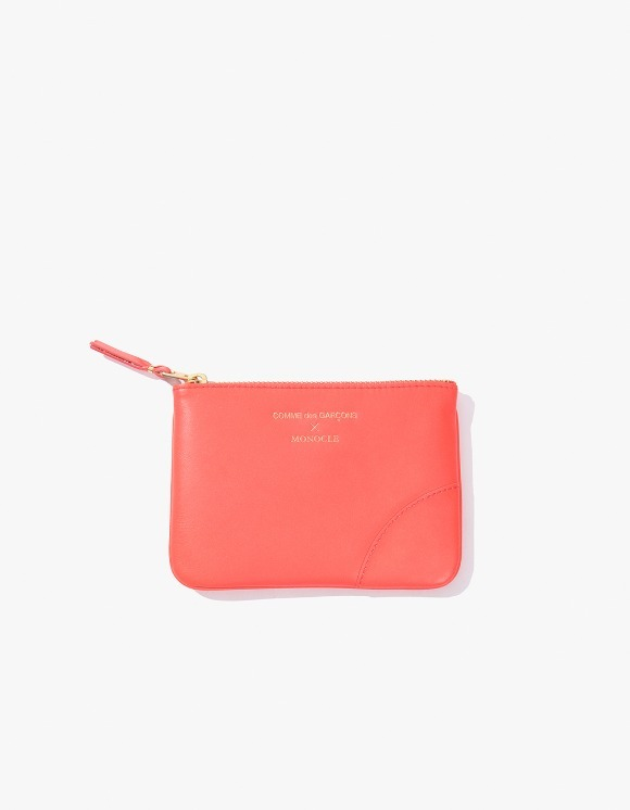 Monocle Comme Des Garçons x Monocle Small-Zip Pouch - Pink | HEIGHTS. | International Store