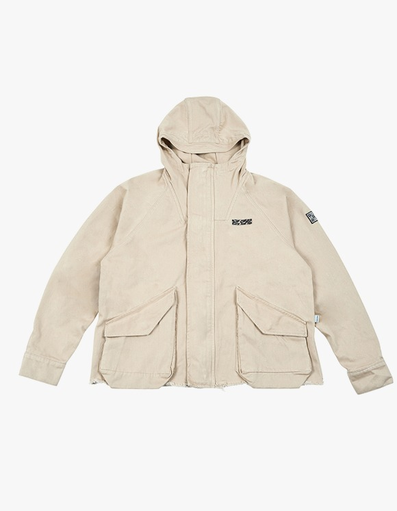 yeseyesee E.C.C Mountain Parka Beige | HEIGHTS. | International Store
