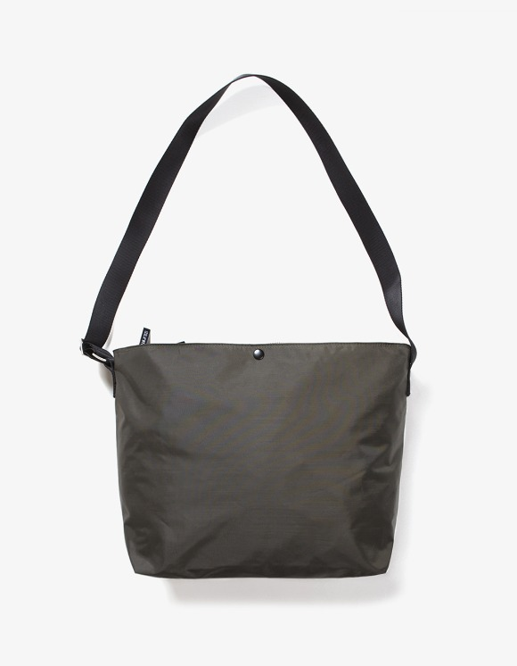 IZOLA NYC Nylon Shoulder Bag - Olive | HEIGHTS. | International Store