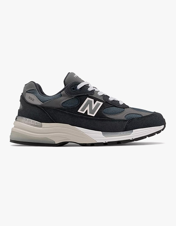 New Balance M992NV | HEIGHTS. | International Store