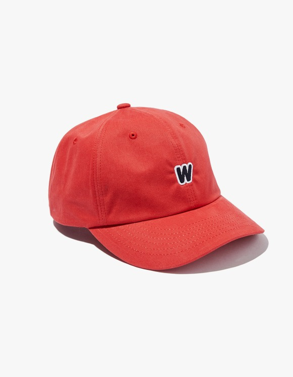 WKNDRS W Logo SS Cap - Red | HEIGHTS. | International Store